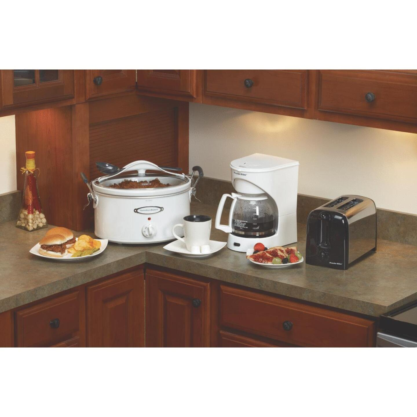 Proctor-Silex 12 Cup White Coffee Maker Image 6